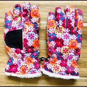 Girls Snow Gloves by Hannah Andersson